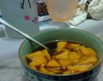 冬天的时候,能吃到热热的番薯糖真的觉得很幸福……