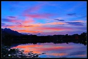 龙湖暮色美!