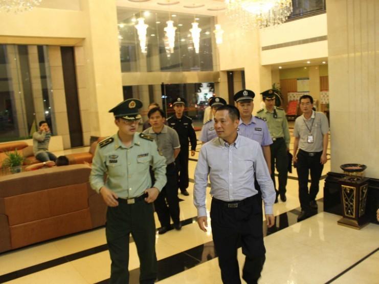 德庆县组织对人员密集场所进行消防安全联合检查